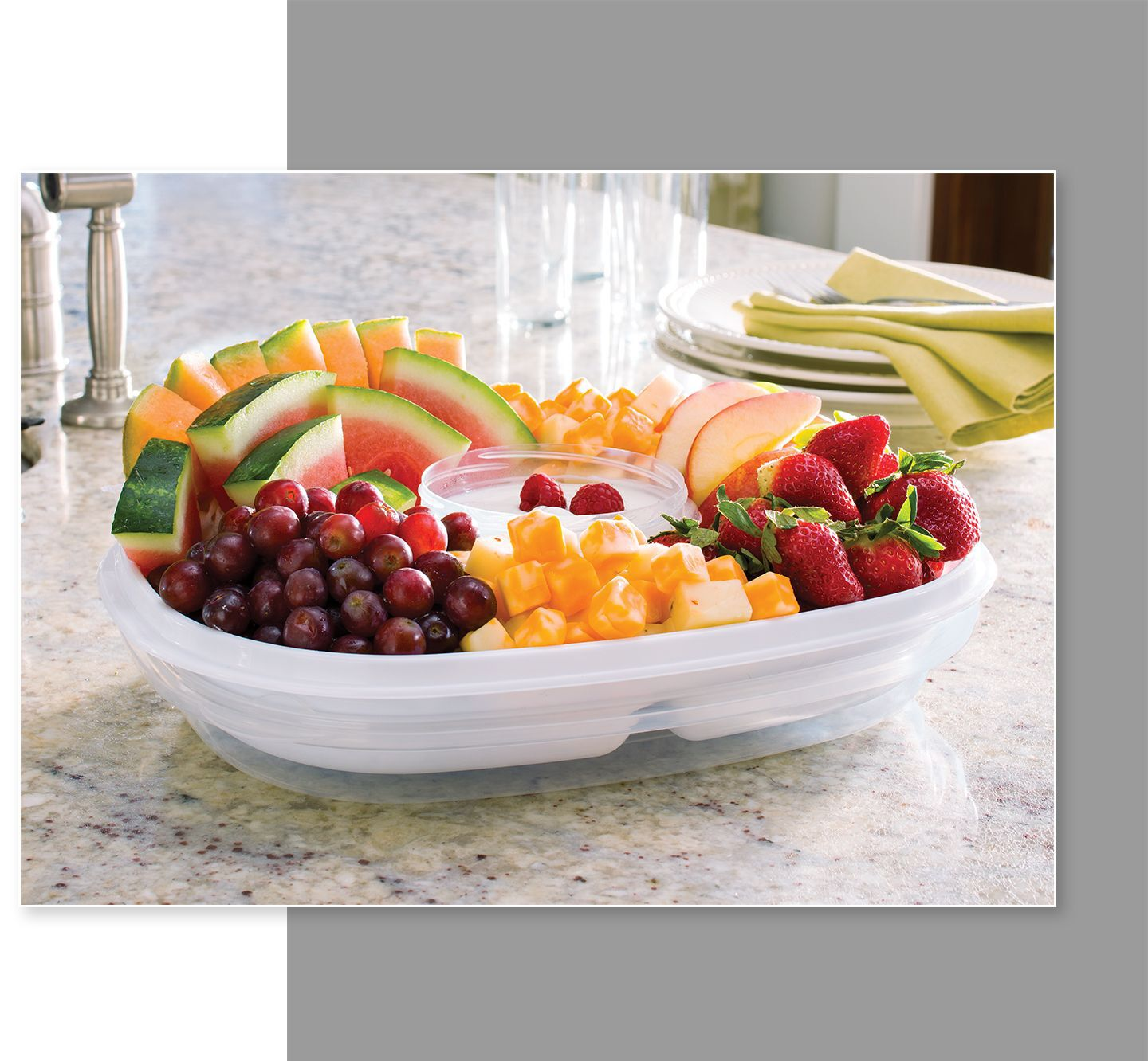 Rubbermaid party platter serveware fruit and dip