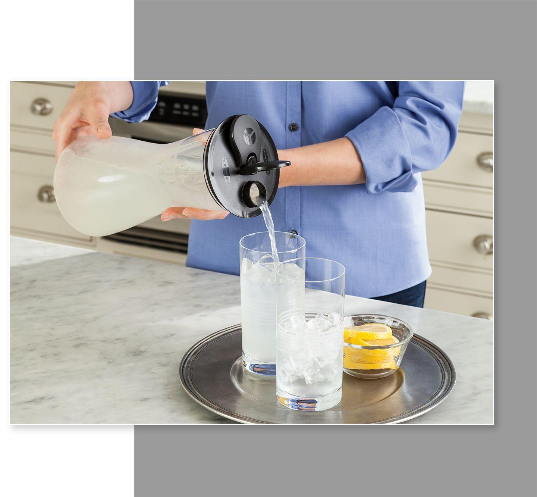 Rubbermaid carafe pitcher lemonade